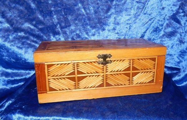 ANTIQUE FOLK TRAMP ART MATCH STICK TRINKET JEWELRY BOX HINGED LID