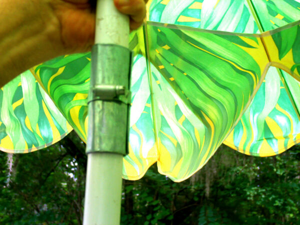 dav LARGE USED OUTDOOR TROPICAL BREEZE CHEERY COLORED BEACH OR TABLE UMBRELLA $149.87