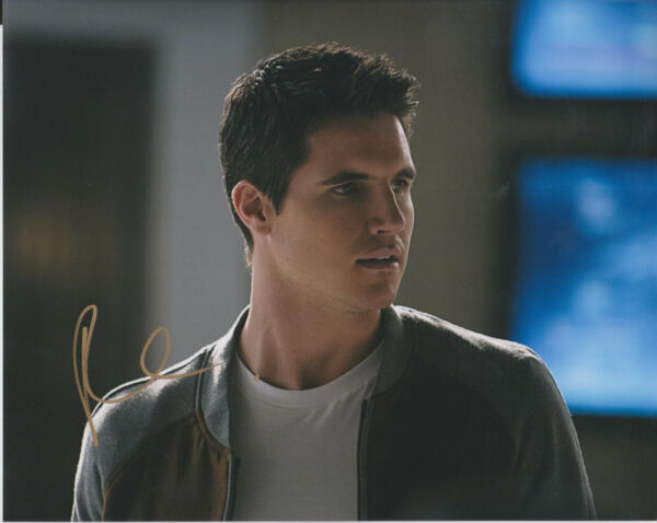 ROBBIE AMELL The Flash Firestorm Arrow Actor SIGNED 8X10 Photo