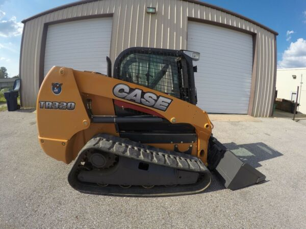 ***CASE TR320 SKID STEER WITH CAB AIR CONDITIONER HEAT FORKS AND BUCKET***