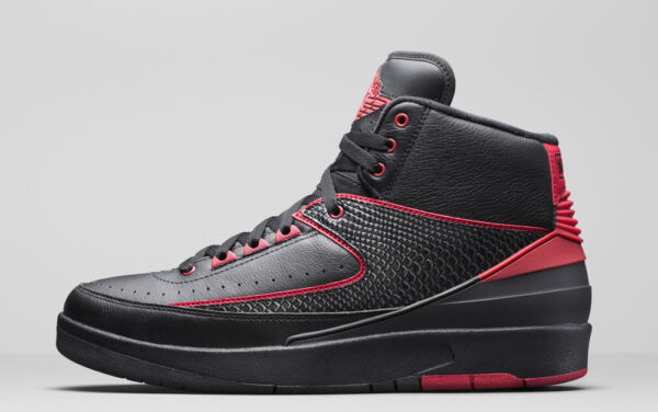 2016 Nike Air Jordan 2 Retro SZ 11 Black Varsity Red Alternate 87 834274-001
