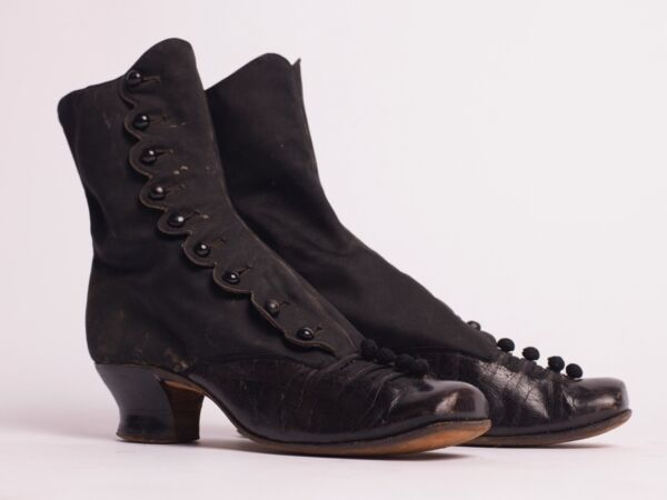Antique Victorian Boots black leather and silk with scalloped edges and buttons