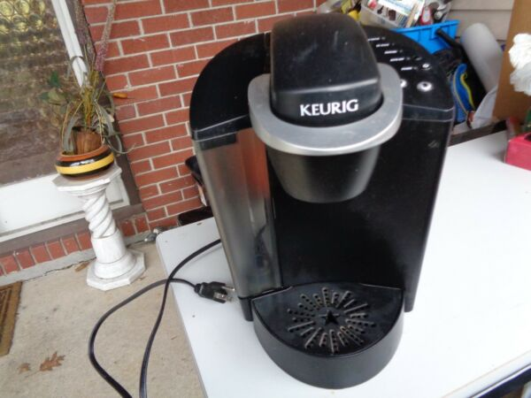 Keurig Model B40 Special Edition Single Cup Brewing System Coffee Maker