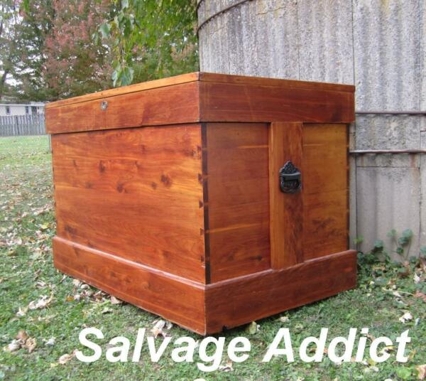 Chest Trunk Blanket Box Solid Cedar Antique Vintage 1800's
