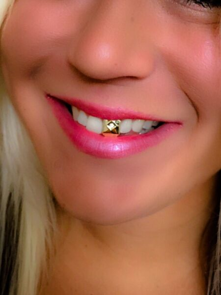NEW! 14K Gold Plated Simulate Diamond Single Front TOOTH Cap Grill GRILLZ UNISEX