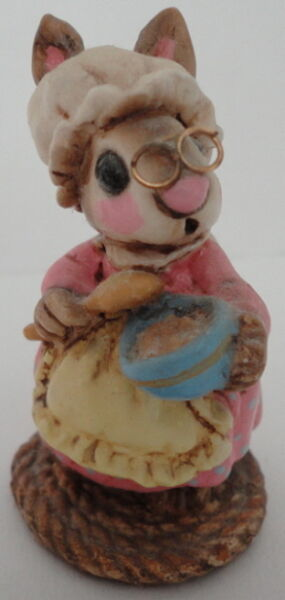 Wee Forest Folk Retired Batter Bunny c.1977 B-09 RARE by Annette Petersen