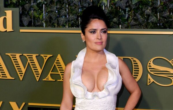 GLOSSY PHOTO PICTURE 8x10 Salma Hayek Voluptuous Famous Actress