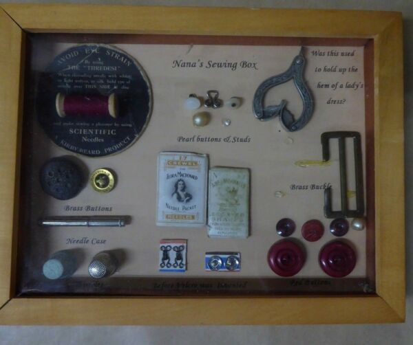 ANTIQUE ESTATE COLLECTION VICTORIAN SEWING BOX COLLECTIBLES BUTTONS THIMBLES