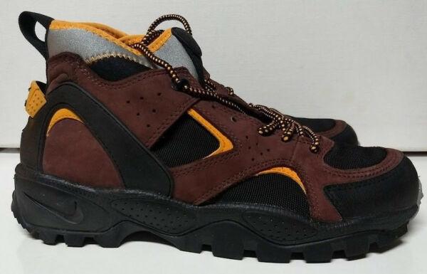 Vintage ACG Nike Air Mowabb Size 10.5 Black Shock Orange Team Brown 305306-081