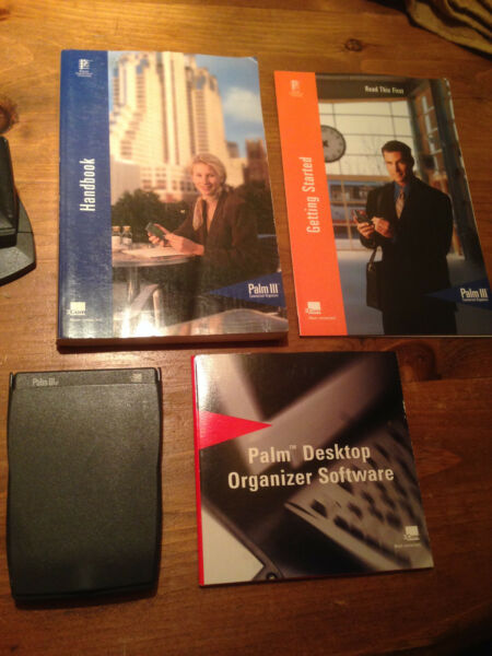 Palm llle 3 PDA organizer, software, sync cradle, manuals & stylus works GREAT !