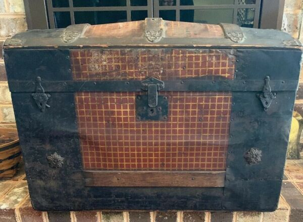 """Antique Dome Top Metal amp; Wood Steamer Trunk 19"""" Tall X 28"""" Long x 16"""" Wide $69.99"""