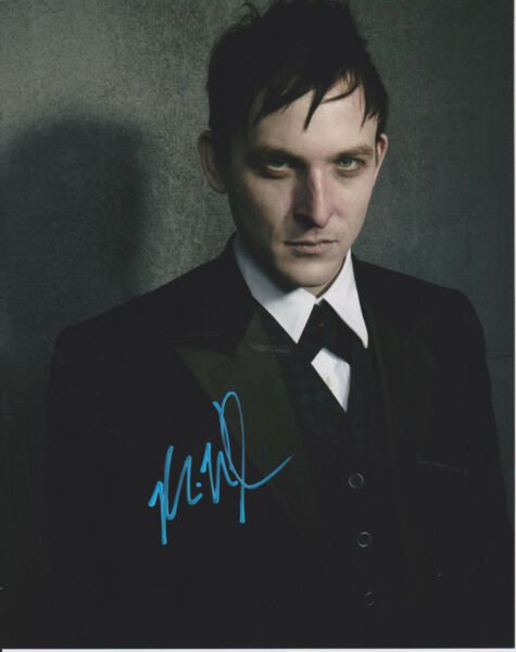 ROBIN LORD TAYLOR Gotham Actor Penguin SIGNED 8X10 Photo m Oswald Cobblepot
