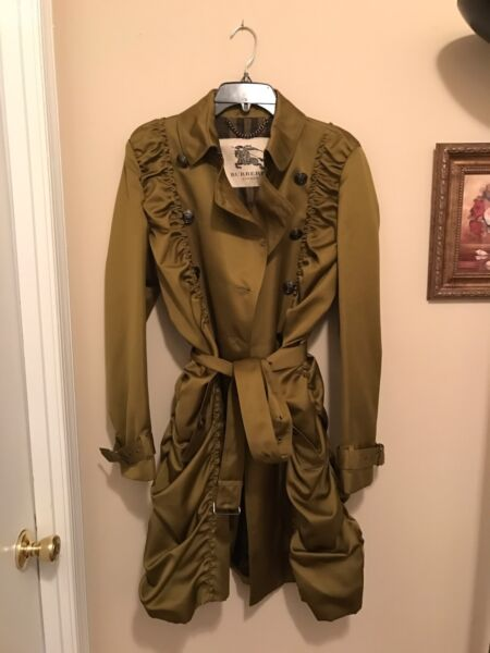 100% Authentic Burberry Coat. New Without Tag. Size 10 $299.99