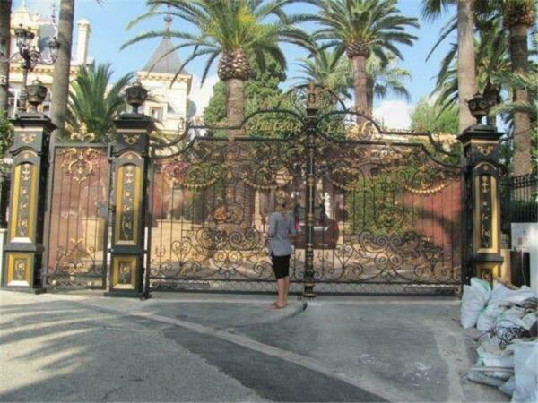 HAND FORGED MONUMENTAL VICTORIAN STYLE ESTATE IRON DRIVEWAY GATES - WR365