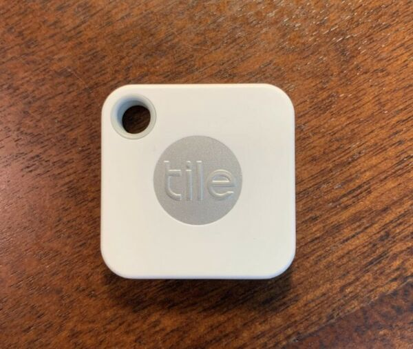Tile Mate Bluetooth Key and Phone Tracker (2018)