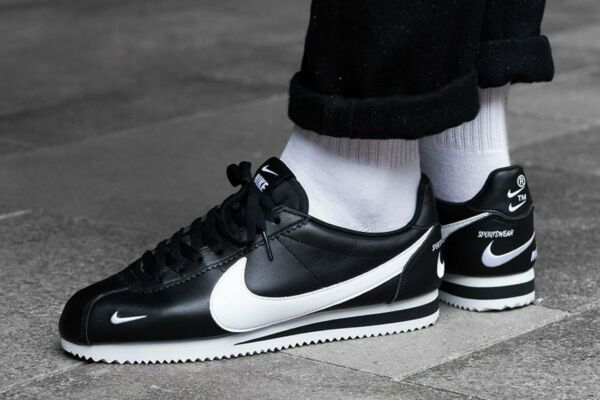 Mens Nike Air Classic Cortez Premium Sneakers, Black White 807480-004 New in Box