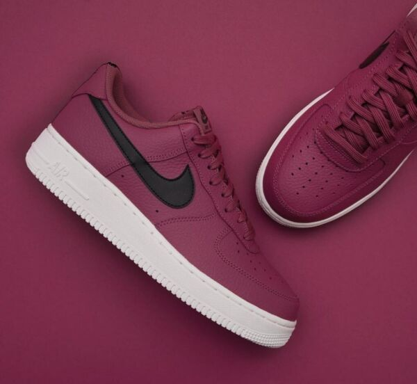 Mens Nike Air Force 1 Low Sneakers, Vintage Wine / Black AA4083-601 NEW IN BOX