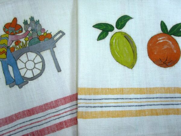 VTG 50s 2 MEXICAN RED YELLOW CANNON KITCHEN TOWELS SENOR SOMBRERO MINT W TAG NOS