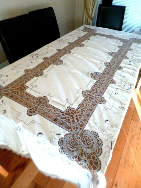 VINTAGE MADEIRA  LINEN AND LACE TABLE CLOTH - HAND MADE.