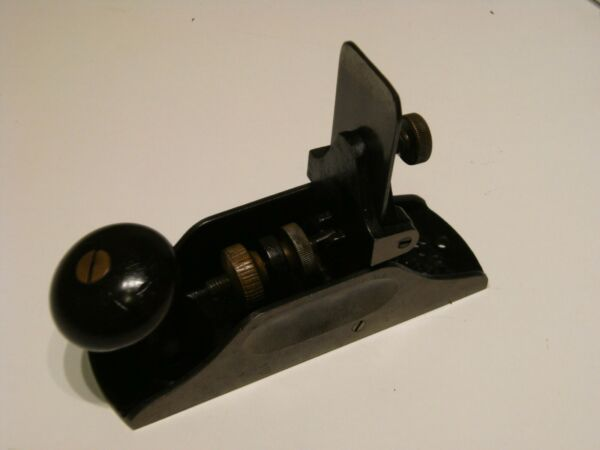 stanley 212 scraper plane optional toothed blade in good condition.