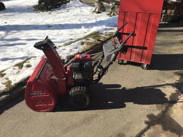 Honda HS724 snow Blower Hydro Excellent In Connecticut