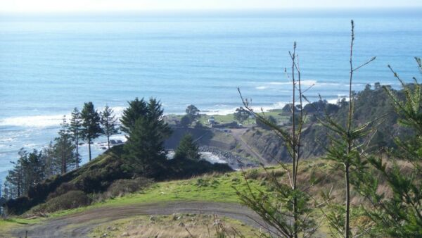BEAUTIFUL SHELTER COVE LOT, R-1 ZONE, OCEANSIDE COMMUNITY, HUMBOLDT COUNTY,