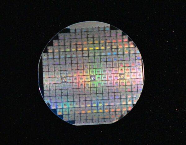 Vintage 4quot; silicon wafer with Microprocessors From 1980s and Case is Included