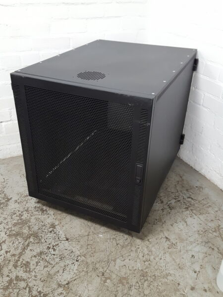 Illumina IPAR Server Data server Cabinet on Wheels 19