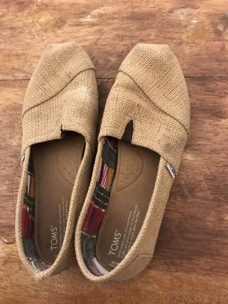 Toma Burlap Brown Loafers Sz 10 Good Condition