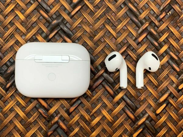 Genuine Apple AirPods Pro Left Right or Charging Case Replacement Parts Only
