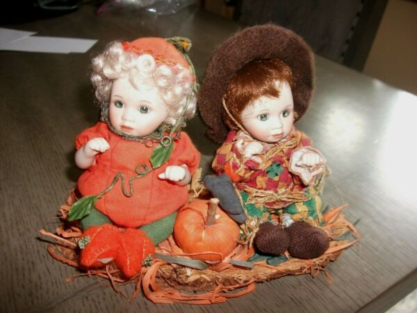 Marie Osmond Pumpkin and Patches Petite Amour Dolls  w Display Base