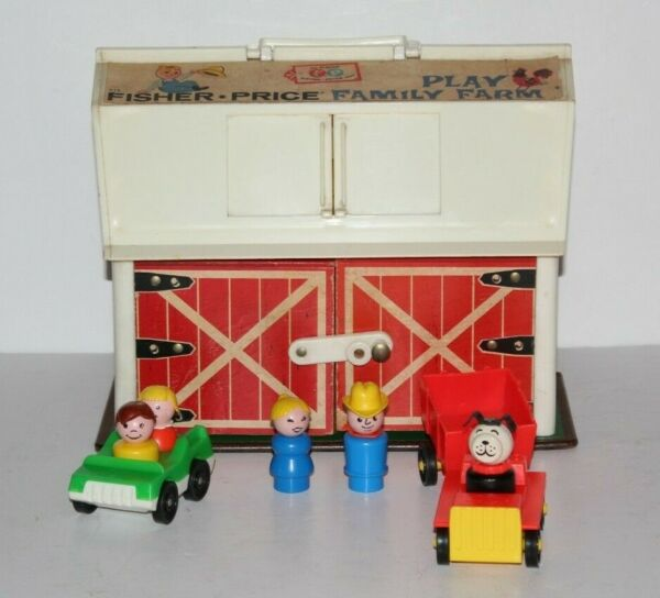 Vintage Fisher Price Little People Play Family#915 Farm Barn People Dog Cars $34.99