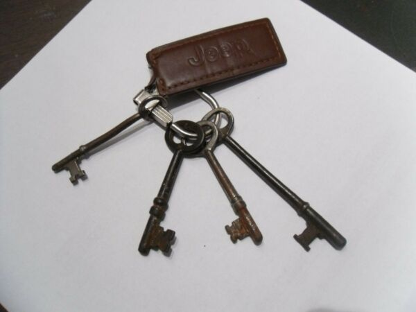 skeleton keys 4 with key chain