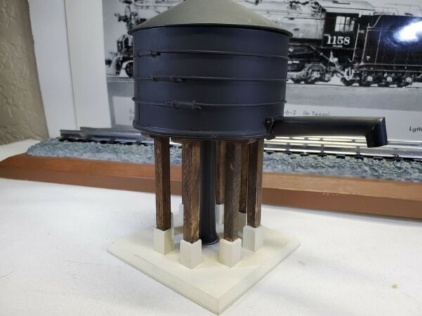 Lionel Operating Water Tower Die cast amp; wood