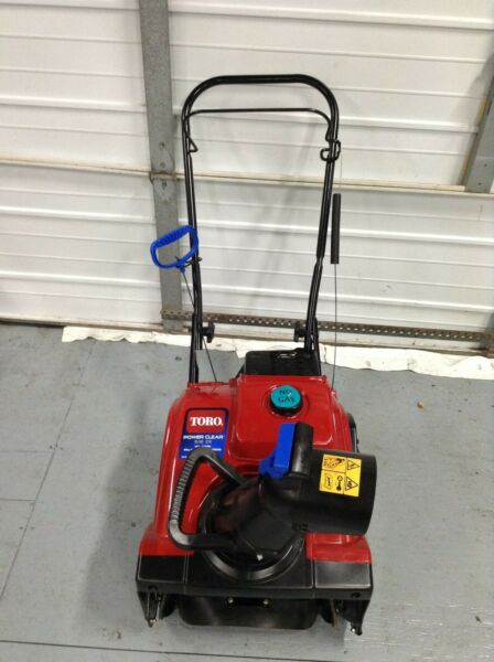 Toro Power Clear 518 ZE 18 in. 99cc Single Stage Gas Snow Blower