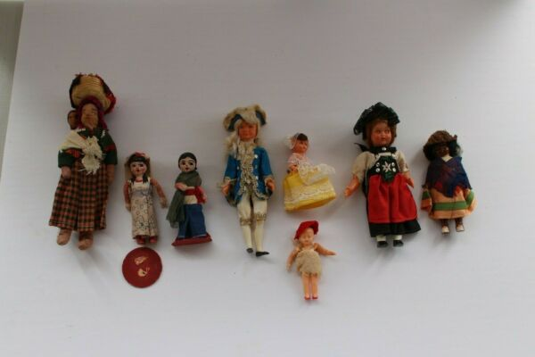 Large lot of small Dolls Vintage ? Foreign