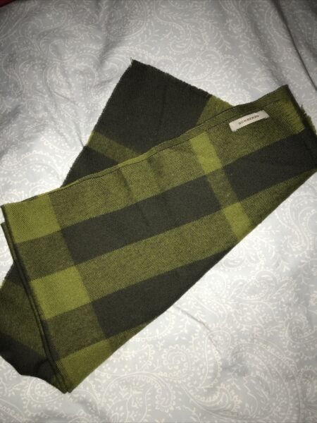 burberry scarf cashmere authentic $100.00