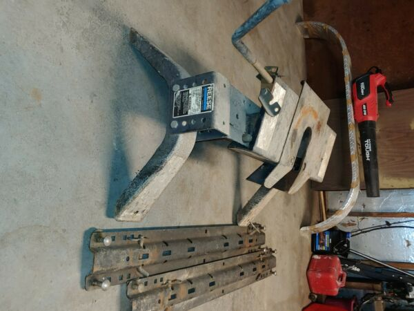 Reese 16K Fifth Wheel Trailer Hitch 5th Wheel Reese 30047. A set of rails $250.00