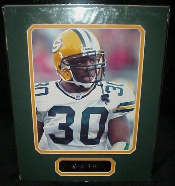 Ahman Green Packers Matted Photo amp; Name Plate 11x14 Ready for Framing A59