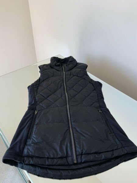 LULULEMON DOWN FOR A RUN VEST PUFFER GOOSE DOWN FEATHER Black SIZE 4 $69.99