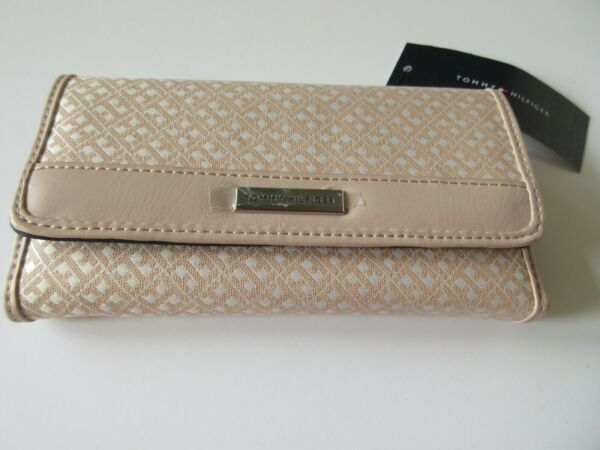 Tommy Hilfiger Women#x27;s Checkbook Wallet Beige Signature With Tommy Logo NWT $27.99