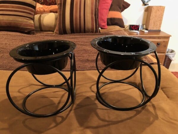 Set of 2 Plastic Dog Dishes w Stands Medium Black Great Condition $14.99