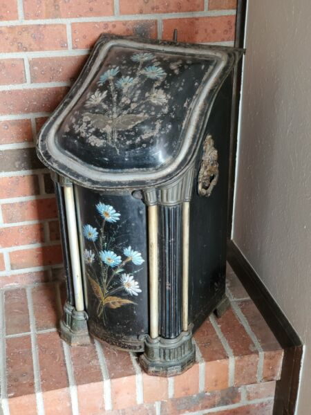 Vintage Fireplace Hearth Ash Scuttle Box with insert 25quot; x 14quot; x 12quot;.