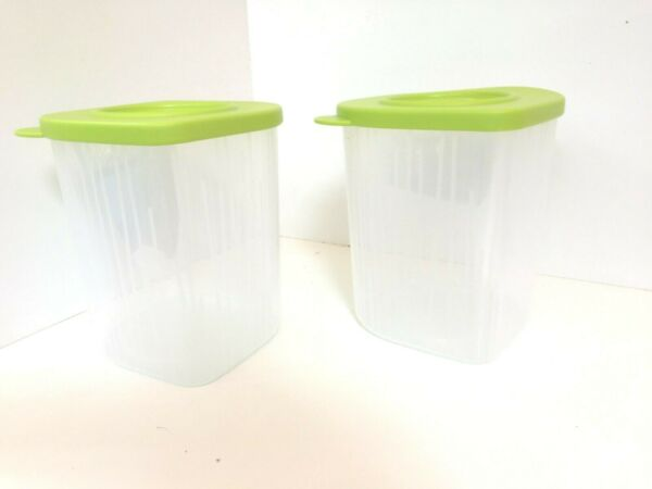 New Tupperware Fresh #x27;N Cool Medium Containers $15.00