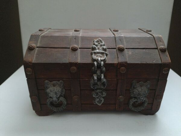 Vintage Wooden Lion Head Gothic Small Treasure Chest Jewelry Trinket Box