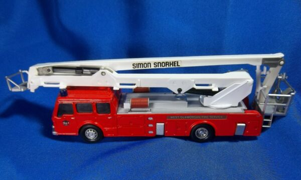 Corgi Die Cast Fire Engine Simon Snorkel
