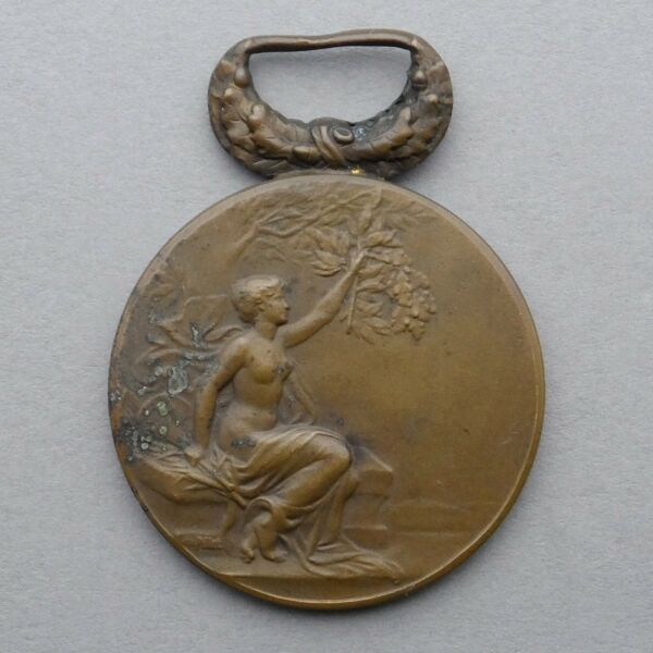 French Medal. Nude Woman Marianne Female. 1909. Art Nouveau. Pendant by Pillet..