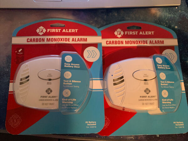 2 Pack First Alert Carbon Monoxide Detector Battery Operated CO400 $30.00