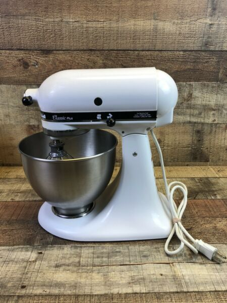 Kitchen Aid Tilt Head Stand Mixer Classic Plus KSM75WH1 With Hook Whip Accessoy