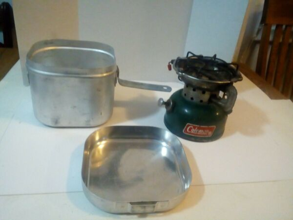 Vtg Coleman Stove 502 With Storage Container Cook Pot Tested